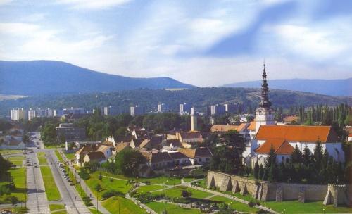 Resultado de imagem para Nove Mesto nad Váhom